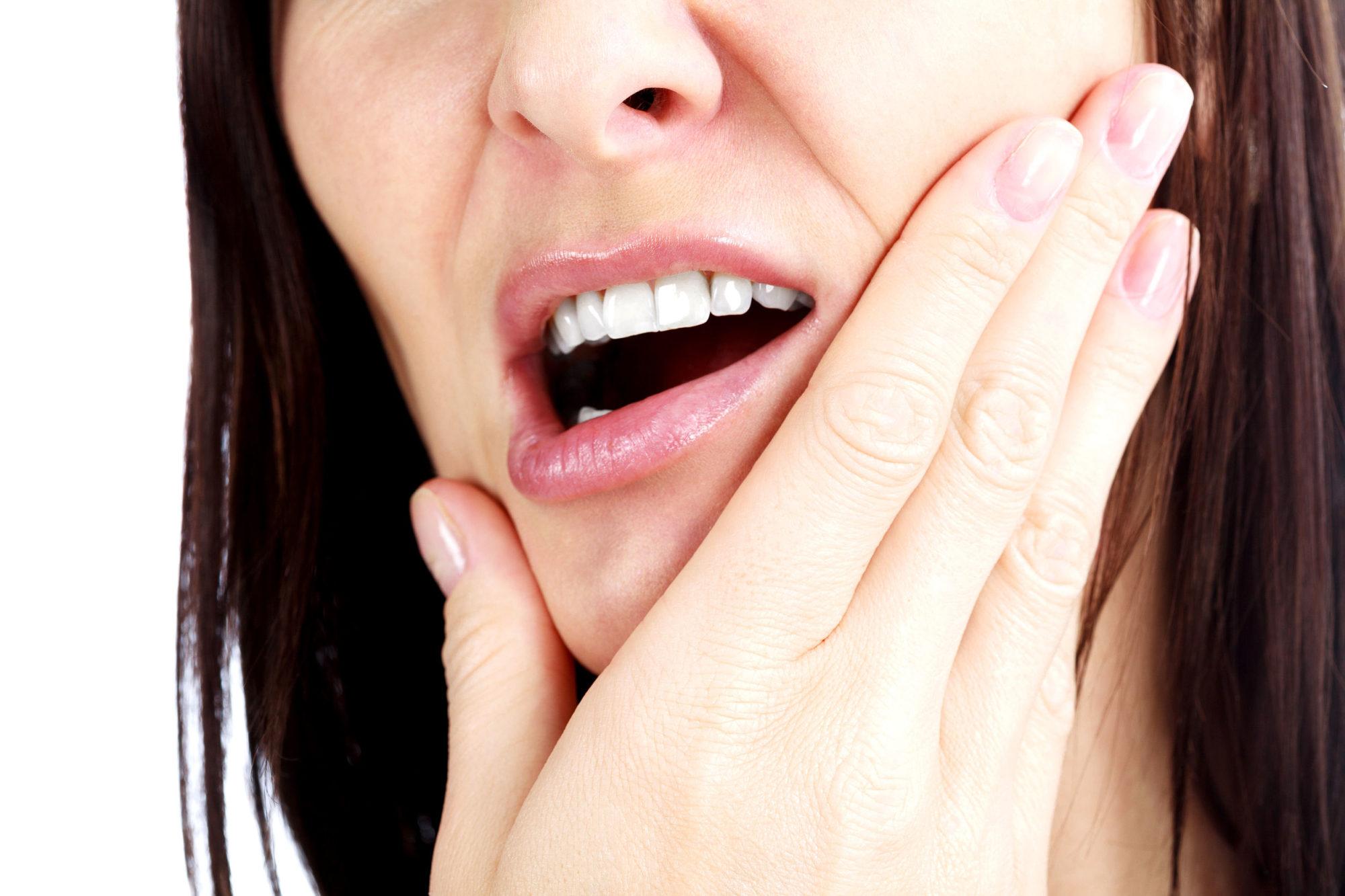 入れ歯が合わなくて痛みが生じる原因